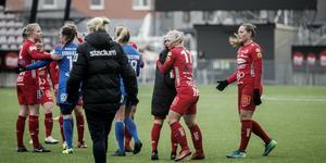 Kif Örebro tog hem säsongen första seger via Heather Williams 1–0-mål som blev matchen enda.