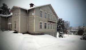 Församlingsgården används väldigt lite. Men är den enda samlingslokalen i Styrnäs så därför vill kyrkan ha den kvar.