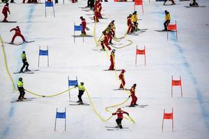 Arrangörena av alpina VM i Åre vattnade och la på 18 ton salt för att få underlaget att hålla ihop.