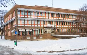 Den statliga myndigheten Statens servicecenter har ett kontor i Söderhamn på Köpmangatan i samma hus som Polisen.