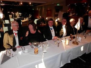 Honnörsbordet, från v. ÄÄ Arnold Sundström, Margit Sundström, RSÄÄ Anders Nilsson, SÄÄ Rolf Jonsson, Carola Johansson och Heders Druid Gunnar Persson
