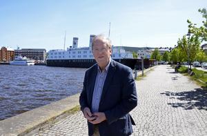 Lars Holmgren (L).