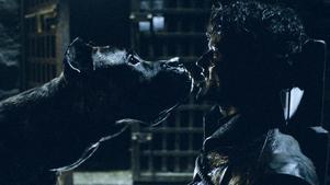 Dags för Ramsay Bolton att bli uppäten av sina hundar. Foto: HBO via AP