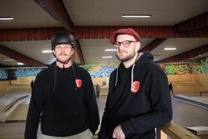 """Mats Dahlstedt och Tomas Nilsson anordnade """"Gubb och tant""""-skejten."""