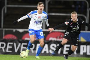 Rasmus Wiedeheim-Paul (till vänster) är Superettans kanske hetaste spelare den senaste tiden.