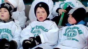Jesper 4 år gammal i VSK:s bandyskola.Foto: Privat