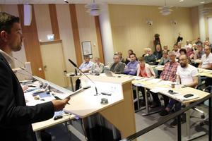Markus Evensson (S), ville inte se någon folkomröstning om riksvägen – och så blir det inte heller, sedan fullmäktige avslog folkinitiativet.