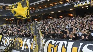 En grupp AIK-supportrar fick åka en ofrivillig busstur till Ösmo, i stället för att gå på derby.