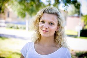 Jolin Berg (SD) bytte skola efter politiska trakasserier.