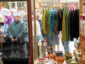 Hemslöjden stängde efter utförsäljning. Butiken låg i många år på Storgatan.