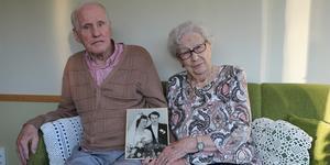 Arthur, 95 och Elisabeth, 92 har varit gifta i 70 år. Receptet på ett lyckat äktenskap för deras del är gemensamma intressen och personliga olikheter som gör att de kompletterar varandra.