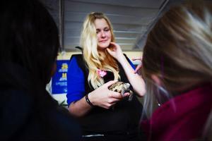 Aila Engström från Torstas djurutbildning visade upp den ryska stäppsköldpaddan Ola-Conny för intresserade barn.