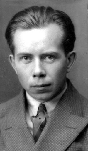 Arbetarförfattaren Ivar Lo-Johansson 1930, när hans första utgåva av boken Zigenare, nyss kommit ut.