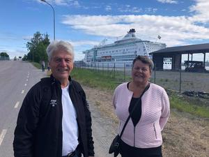 Makarna Myrgren från Hudiksvall var några av turisterna som kom med båten.