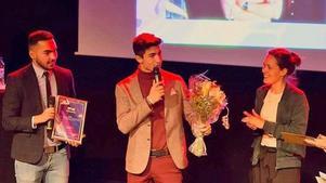 Här får 18-åringarna ta emot sitt pris på Fryshuset i Stockholm. Foto: Fryshuset