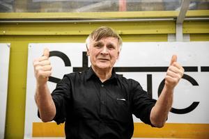 Jan Simons, stor Moraprofil, hade svårt att kontrollera sina känslor efter slutsignalen mot Leksand den 1 april.