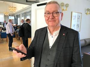 Jan-Olov Häggström (S) är nöjd med totalstopp för alkohol i representationen.