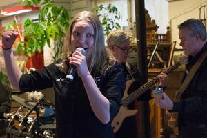 Therese Didrick bjöd tillsammans med resten av bandet på bland annat låtar av Evert Taube och Lasse Berghagen.