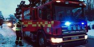 En traktor körde in i ett bostadshus i Svärdsjö i Falu kommun på onsdagseftermiddagen.