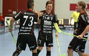 Glädje i Falun efter Billy Nilsson,s 1-0 mål. Foto: Johnny Fredborg