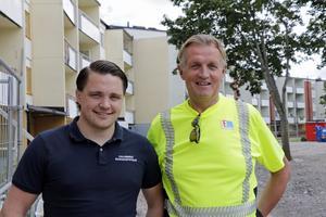Äntligen börjar det bli ordning och reda på  Hallbos bygge i Regnbågen - på riktigt,  menar fastighetschef Rikard Bergström som är innerligt glad och tacksam att ha fått byggveteranen Bengt Asplund till hjälp.