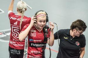 My Kippilä intervjuas av tv efter andra perioden där hon gjorde matchavgörande 3–2-målet.