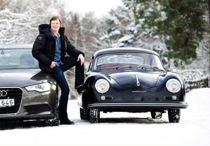 """En till vardags och en till festligare tillfällen. Mattias Särnholm, känd från tv-programmet Roomservice, äger en Audi A6 och en Porsche 356.""""Audin är en drömbil, men hamnar ändå i skuggan av Porschen"""", säger han."""