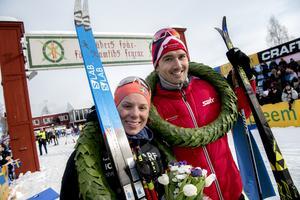 För ett år sedan vann Lina Korsgren och Andreas Nygaard Vasaloppet. I den sista Ski Classics-tävlingen inför årets niamilautmaning mellan Sälen och Mora, tjeckiska Jizerska Padesatka, var det de regerande vasaloppssegrarna som var snabbast.