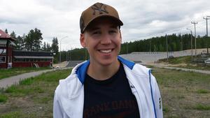 Jonas Adolfsson blir en ny bekantskap för längdåkarna. Han har tidigare arbetat på skidgymnasierna i Åre och Torsby.