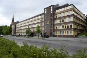 Polisen kommer att ha kvar polishuset i Sundsvall men behöver mer ytor.