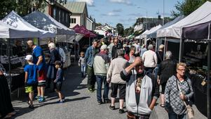 Över 5000 personer besöker Junsele marknad.