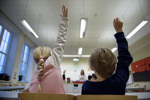 Varför hitta på siffran 175 som minsta antal för elever i en skola? Det är varken vetenskap, pedagogisk sanning eller beprövad erfarenhet. Det är humbug, skriver Walter Rönmark.