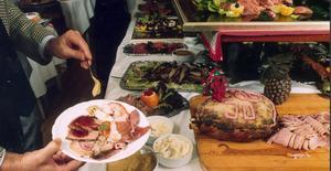 Enheten vid regionen arrangerade julfest på en populär krog i Falun, dock inte den på bilden.
