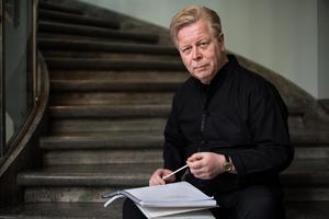 Leif Karlsson började sin bana i Sundsvalls Kulturskola. EFter en internationell karriär som bland annat slagverkare är han nu inspektör för den svenska försvarsmusiken.