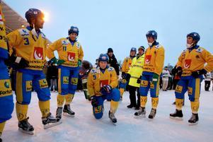 Göran Rosendahl vann fyra VM-guld under karriären. Men 2004 fick han och Sverige nöja sig med silver efter den överraskande finalförlusten mot Finland. FOTO: Jessica Gow/Scanpix