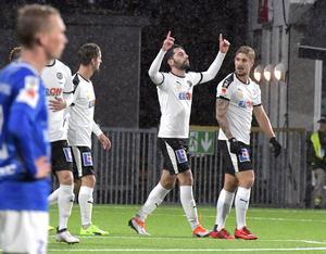 Nahir Besara har just gjort 3–0 mot Trelleborg. Efter säsongen kan han lämna ÖSK eftersom kontraktet går ut. Nu uppmanar han klubben att fortsätta att utvecklas och satsa högt.