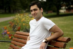 Martins efternamn, Patros, är grekiskt, men hur han har en relation till Grekland har han ingen aning om.