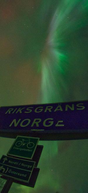 Norrsken, norska gränsen, Gäddede.
