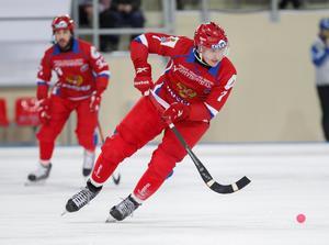 Jenisejs storstjärna Sergej Lomanov är ambassadör för bandyn under Vinteruniversiaden 2019.
