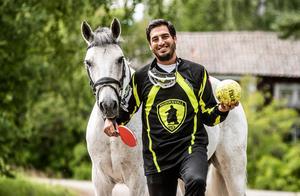 Pingis, ridsport, enduro och handboll är sporterna som sportvikarien Joseph Edman gav sig på under sommaren.