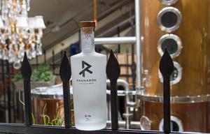 Här står den på parad, världens bästa gin. Iallafall om man frågar finsmakarna bakom webbsidan  Gin Rag.