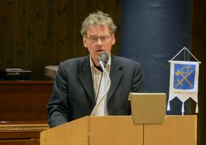 Torsten Larsson konstaterar att förlusten kommer att påverka kommunen egna kapital på ett negativt sätt.