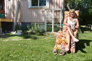 Marie Hansson i Näsåker jobbar som undersköterska inom äldreomsorgen. Hon trivs med sina arbetstider med delade turer.