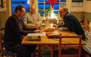Vi som jobbar ideellt med hemsidan och bildarkivet är Curt-Olof Rask, Benny Jönsson och Ove Sundström. Foto: Privat