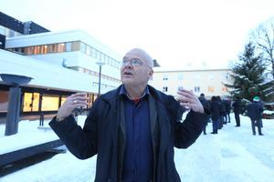 Arkitekten Jerker Söderlind från Arkitekturupproret tycker att den egna omröstningen om utnämningen av Sveriges fulaste stad gick till fel stad: