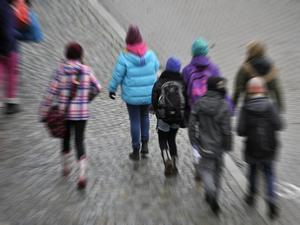 Vi vill kunna gå/cykla säkert till skolan, skriver Skönsmons skolas treor. Bilden har inget direkt samband med insändaren.