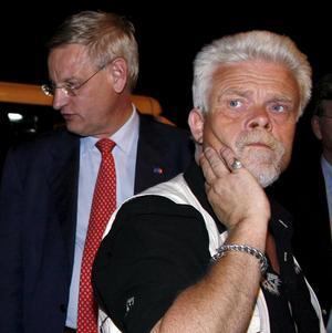 Brett stöd. Utrikesminister Carl Bildt, här i Istanbul för att träffa de frigivna svenska Gazaaktivisterna, har i stort stöd av oppositionen för sitt agerande.foto: scanpix