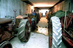 Under några år användes torkhuset som traktormuseum - innan man visste att lokalerna var fyllda av dioxiner.