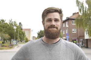 Andreas Karlsson, 25 år, byggare, Ekshärad: –Nej, jag kollar inte på alkoholreklam och blir inte sugen på alkohol när jag ser en sådan reklam.