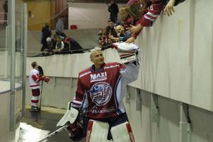 Mikael Gråbo höll nollan för första gången den här säsongen i Falu IF:s 3–0-seger borta mot tabelltvåan Enköping.
